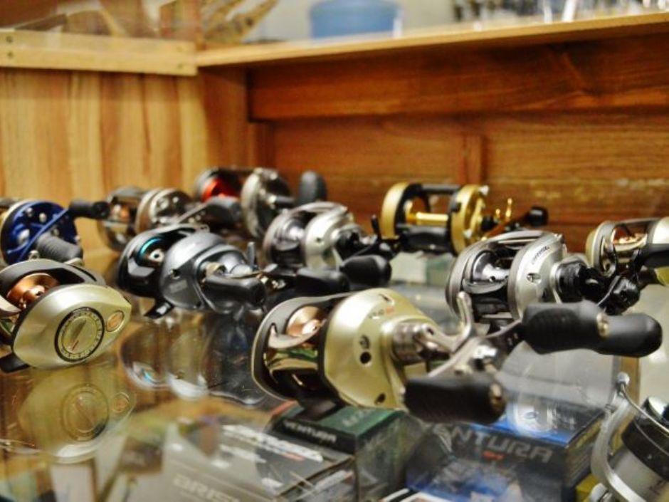 Loja especializada em pesca faz planejamento para piracema