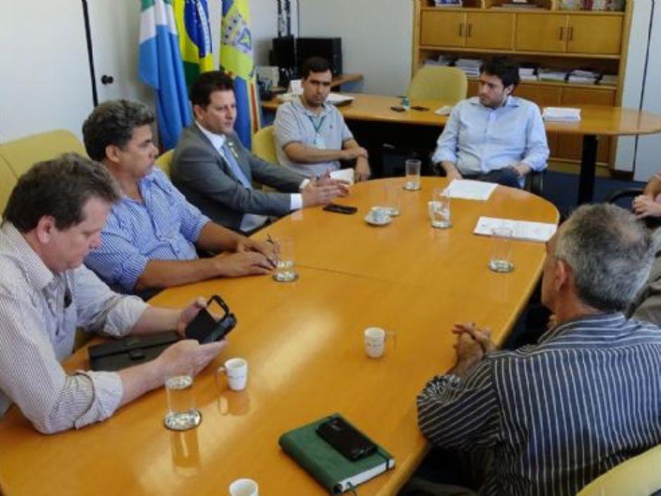 Renato se reúne com MTE e produtores para a criação de associação no Vale do Ivinhema
