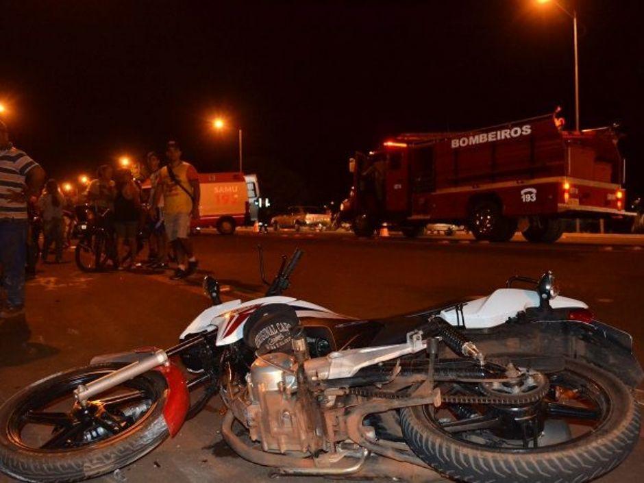 Colisão entre moto e bicicleta deixa pessoas três feridas em Nova Andradina, entre elas uma criança