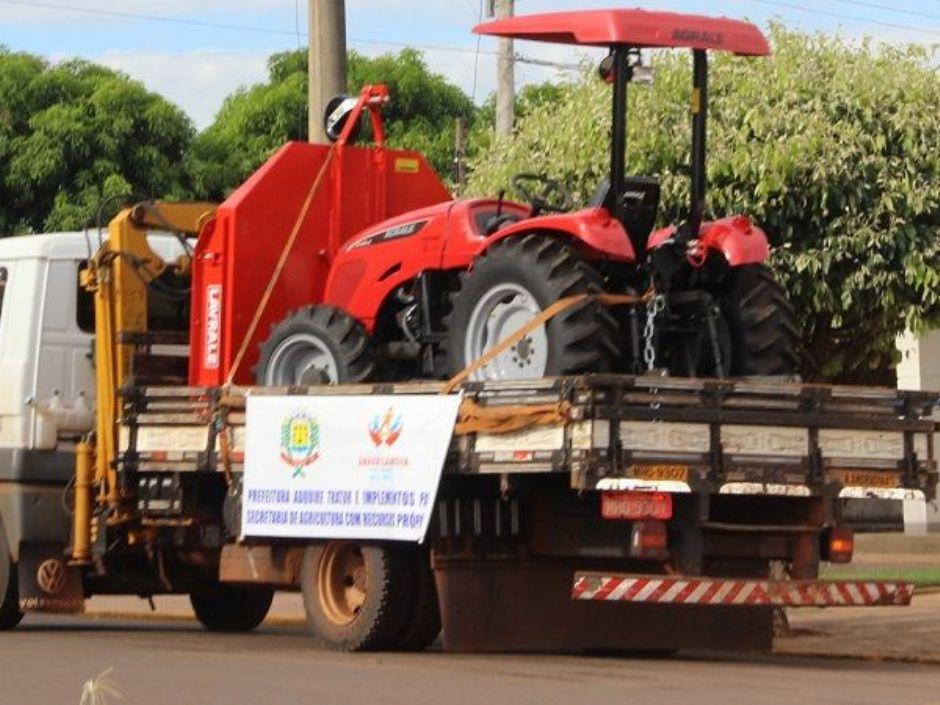Prefeitura de Anaurilândia apresenta novos veículos e implementos agrícolas