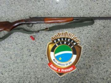 Arma apreendida utilizada pelo homem para ameaçar a mulher