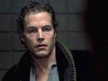 Michael Massee em 'O corvo'