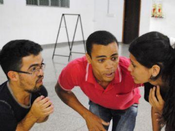 Com elenco 100% de Nova Andradina, peça contará com quatro exibições