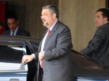 Palocci é suspeito de receber propina para atuar em favor da Odebrecht