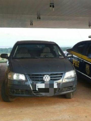 Carro tinha restrição de roubo
