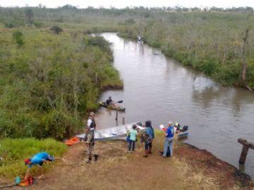 Lixos foram retirados dos barrancos e leito do rio