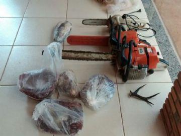 Caçador é preso com carne de cateto, capivara e chifres de veado
