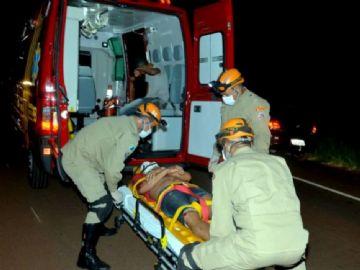 Acidente na MS-376 entre três motos deixa quatro pessoas feridas