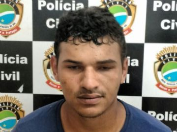 Homem é preso suspeito de vender drogas em praça pública