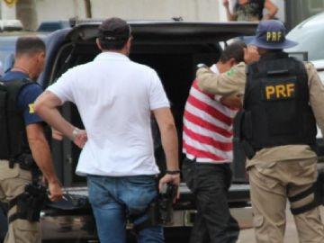Dupla é presa com mais de 400 kg de maconha em Nova Andradina