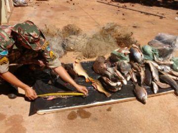 Ribeirinho é autuado com pescado irregular às margens do rio Ivinhema
