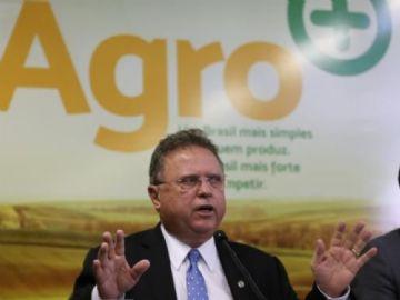 Laudos em produtos de frigoríficos não indicam riscos à saúde, diz ministro