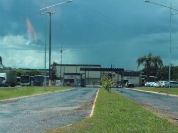 Com produção reduzida, JBS volta a funcionar em Nova Andradina