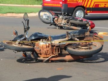 Colisão entre motociclistas deixa duas pessoas feridas na MS-276 em Nova Andradina