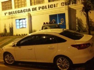 Carro de Delegado tem vidro estourado e pertencente furtado em Nova Andradina