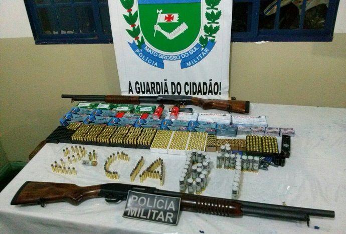O material, veículo e os homens foram levados para a PF - Foto: Jornal da Nova