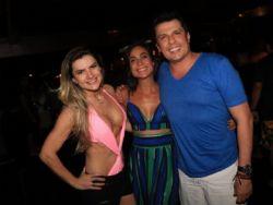 Mirella Santos rouba a cena com body de decote ousado