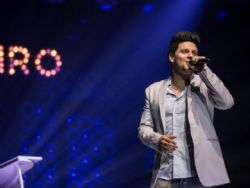 Ex-vocalista da dupla Thaeme & Thiago é preso em casa de show
