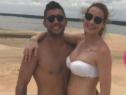 Luana Piovani e Pedro Scooby aproveitam férias no Ceará