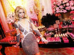 Paris Hilton comemora aniversário em Jurerê Internacional