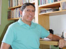 Novo livro de Rubenio Marcelo: ''Palavras em Plenitude - prosa e crítica cultural'' será lançado hoje