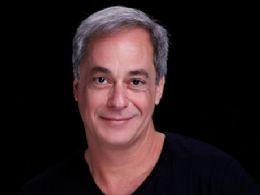 Ator brasileiro Gilberto Torres estreia na dramaturgia portuguesa