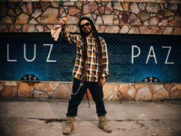 Após fim de ''O Rappa'', Marcelo Falcão lança seu primeiro hit: ''Viver''