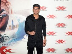 Neymar leva Marquezine para ver xXx: Reativado