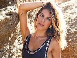 Giovanna Ewbank aparece com maiô cavado e marquinha de bronze é o hit
