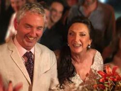 Débora Olivieri se casa no Rio com holandês que conheceu no Tinder