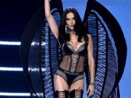 Não vou tirar as minhas roupas por uma causa vazia, diz Adriana Lima