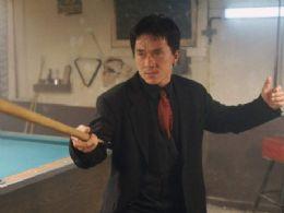 Jackie Chan revela problemas com álcool e agressão ao filho em livro