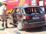 Colisão em cruzamento deixa motorista preso as ferragens em Nova Andradina