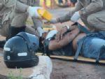 Motociclista sofre queda, se machuca e tem moto apreendida por débitos