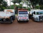 Prefeito de Rio Brilhante expõe maquinários sucateados em praça
