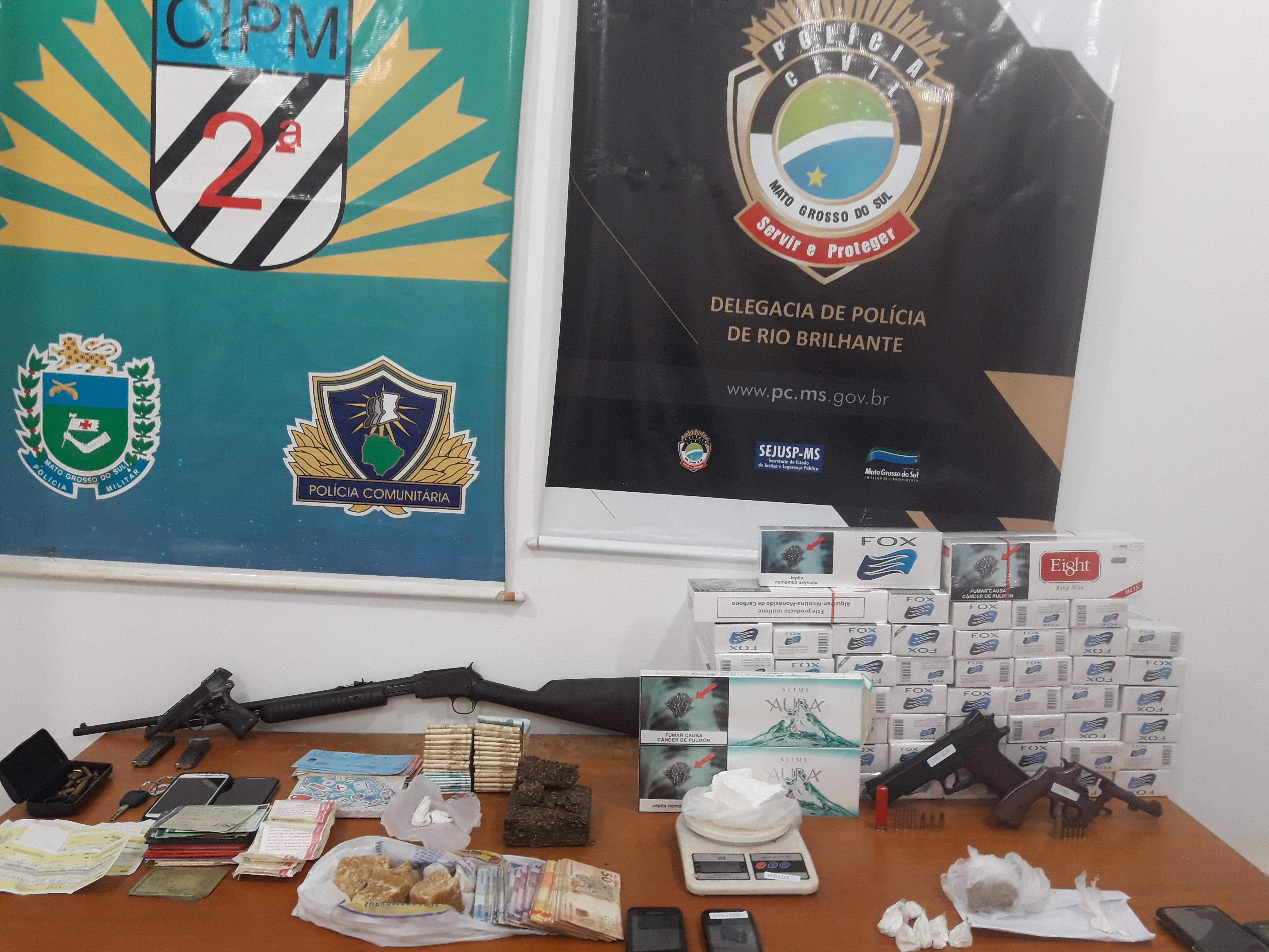 Um rapaz de 25 anos, morador na Vila Maria foi preso com 238 gramas de cocaína.