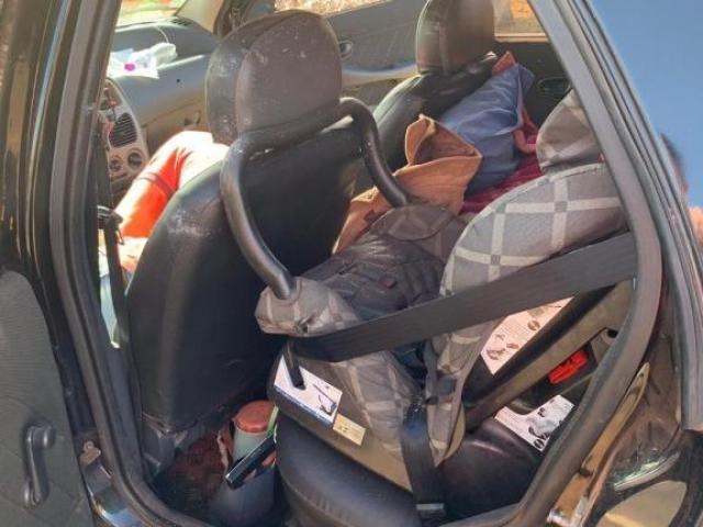 Cadeirinha onde bebê viajava e foi atingido - Foto: Divulgação